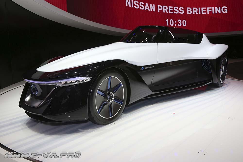 Nissan BladeGlider – серийный треугольный электрокар