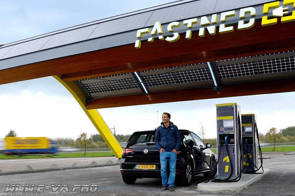 В Голландии расширяют инфраструктуру станций зарядки для электрокаров