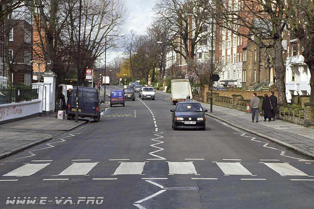 Англия дает электромобилям зелёный свет