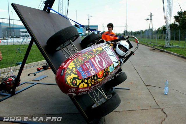 Электромобиль из России победил на студенческой «Формуле»