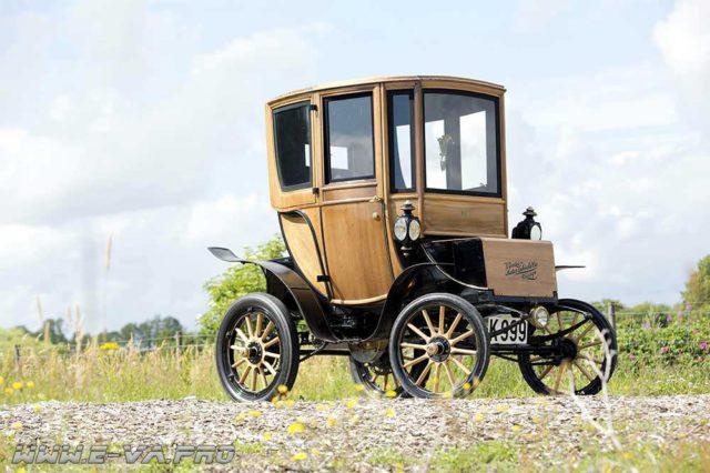 Электрический автомобиль Queen Victoria Brougham начала XX века продали на аукционе Bonhams