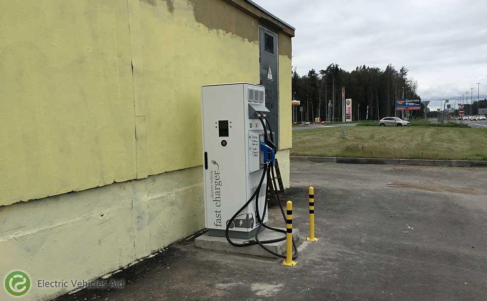 появилась зарядка для электромобилей на Парашютной в СПб