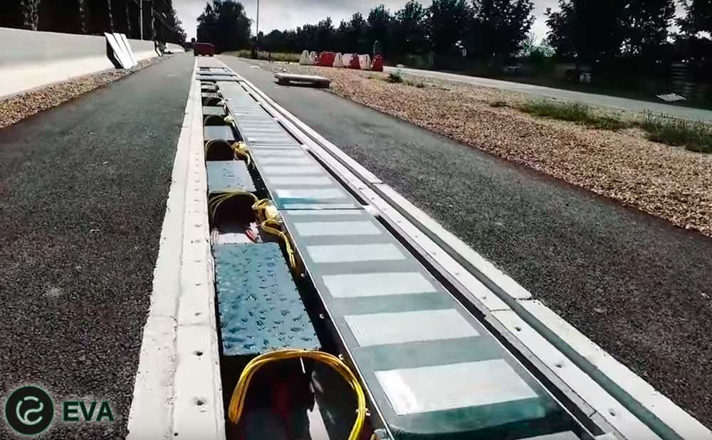 Заработал прототип дороги, заряжающей электромобили на ходу