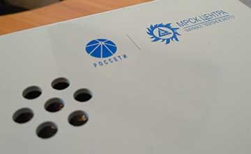 нанесение на зарядную станцию EVA логотипов и надписей шелкографией