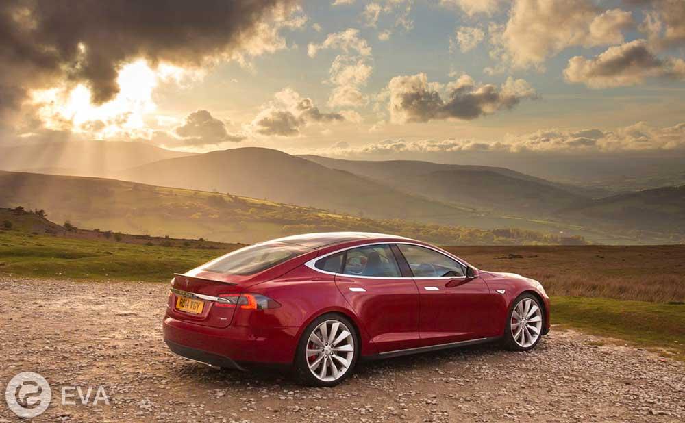 900 километров без подзарядки: как Tesla поставила этот рекорд?